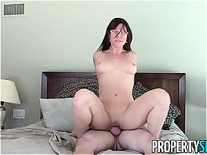 sugary Aidra Fox pulverizes her horny client