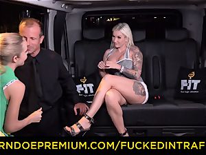nailed IN TRAFFIC - sultry blondes car triangle banging