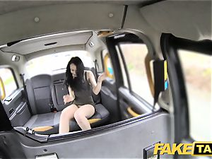 faux taxi knob thirsty customer gets a free rail