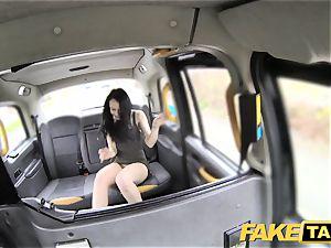 faux taxi knob thirsty customer gets a free rail