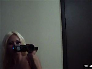 Home vid taunt with super-fucking-hot blond Nikita