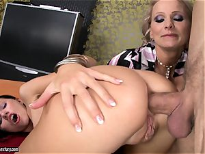 Sasha Rose gets her splendid culo stuffed by a pulsing meatpipe