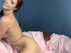 super-hot Jayden Cole enjoys tormenting her delicious humid twat
