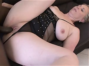 senior gal throat fuck blow bj gulping jizm