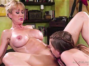 Jill Kassidy makes her steamy milf customer Brandi love ejaculation