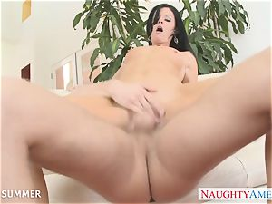 dark haired India Summer gets beaver pounded