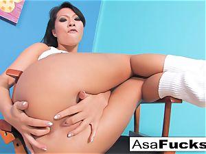 Asa looks super-sexy in this super hot xxx solo