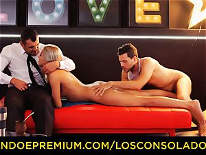 LOS CONSOLADORES - brilliant blondies sixty nine in gang orgy