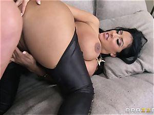Phoenix Marie introduces Kiara Mia to anal
