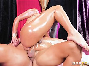 Oily donk jammed Mercedes Carrera