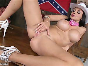 super-fucking-hot Aletta Ocean fingers her cascading pussy