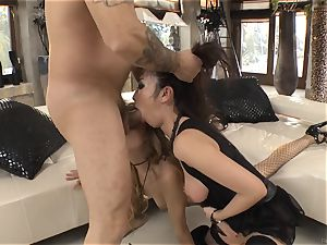 red-hot 3 way with Marica Hase and Leyla ebony