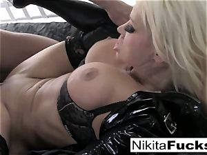 big-chested Nikita drills a phat chisel