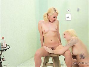 2 kinky lesbians Jana Jordan and Aaliyah enjoy shower hook-up