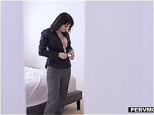 buxomy mom luvs to taste her stepson's morning man rod