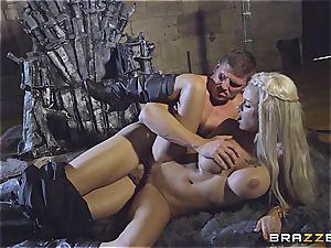 Daenerys Targaryen gets torn up by Jon Snow on the iron Throne
