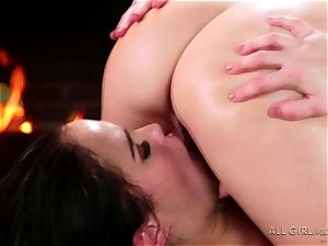 Karlie Montana and Megan Rain incredible facesetting and climax