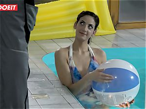 LETSDOEIT - sonnie screws StepMom And sister At The Pool
