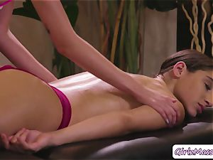 cute Abella Danger gets her vulva slurped by masseuse Haley Reeds